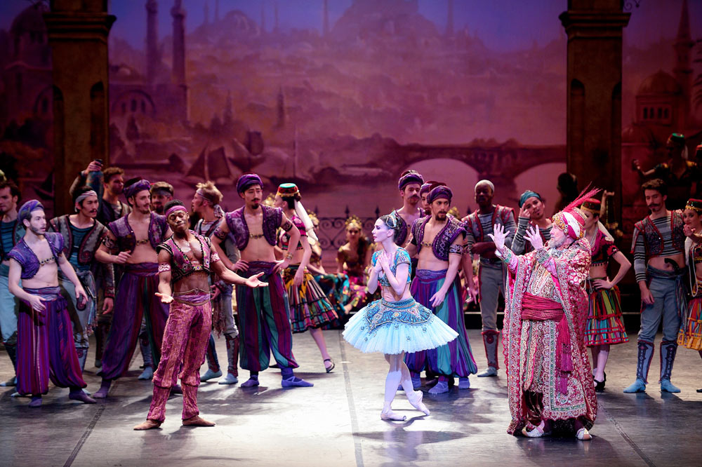 Brooklyn Mack, Tamara Rojo and Michael Coleman in Le Corsaire.© Laurent Liotardo. (Click image for larger version)