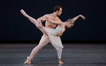 Sara Mearns and Tyler Angle in Peter Martins' Barber Violin Concerto.© Paul Kolnik. (Click image for larger version)
