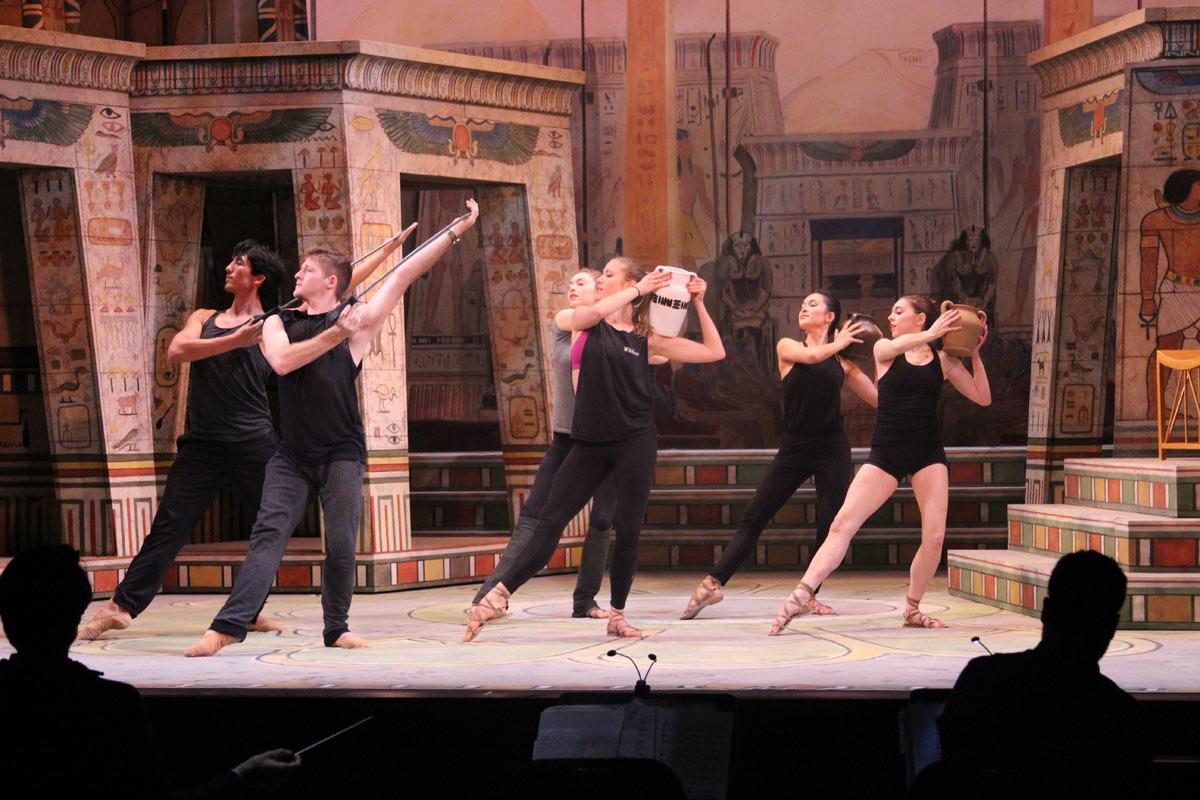 Sarasota Opera rehearsing Aida.© Sam Lowery and Sarasota Opera. (Click image for larger version)