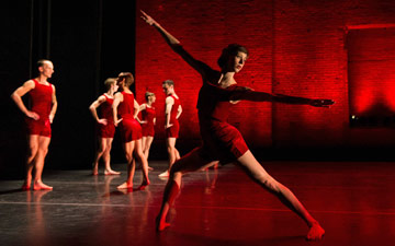 Pam Tanowitz Dance, promotional picture.© Christopher Duggan. (Click image for larger version)