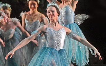 Birmingham Royal Ballet in The Dream.© Dave Morgan. (Click image for larger version)