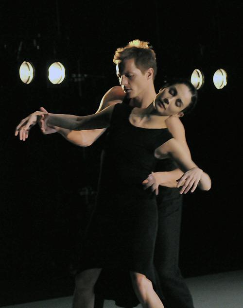 Tamara Rojo and Thomas Whitehead in Kim Brandstrup's <I>Goldberg Variations</I>.<br />© Dave Morgan.