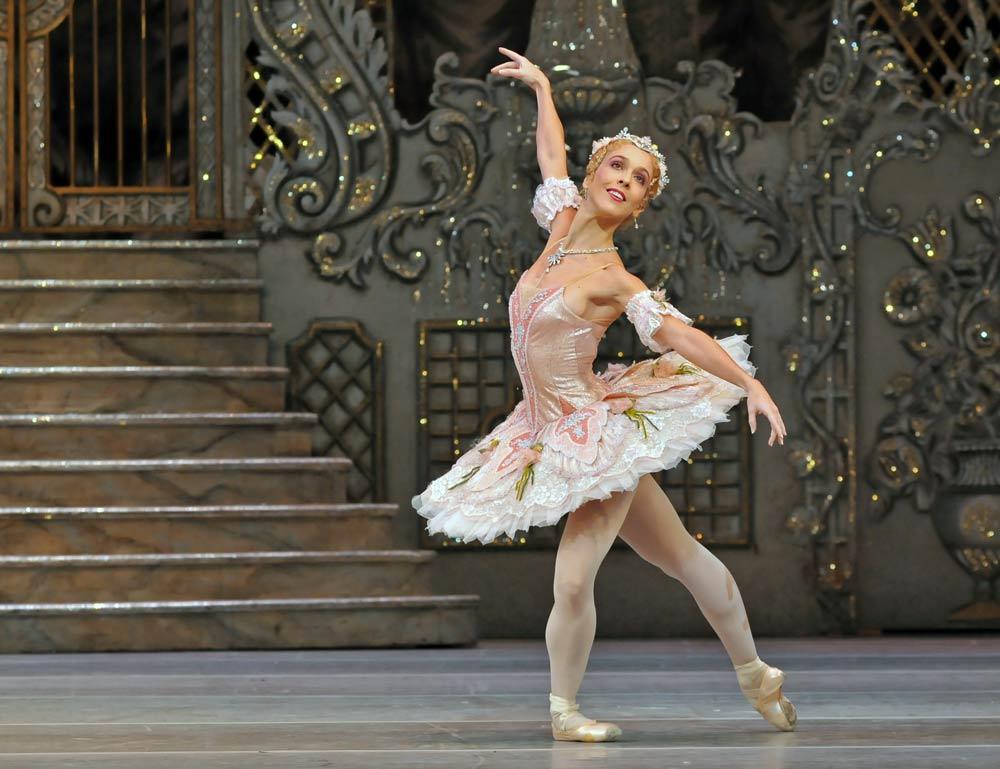 Laura Morera in <I>The Nutcracker</I>.<br />© Dave Morgan, courtesy the Royal Opera House. (Click image for larger version)