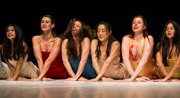 Tanztheater Wuppertal Pina Bausch in <I>...como el musguito en la piedra, ay si, si, si...</I>.<br />© Foteini Christofilopoulou. (Click image for larger version)