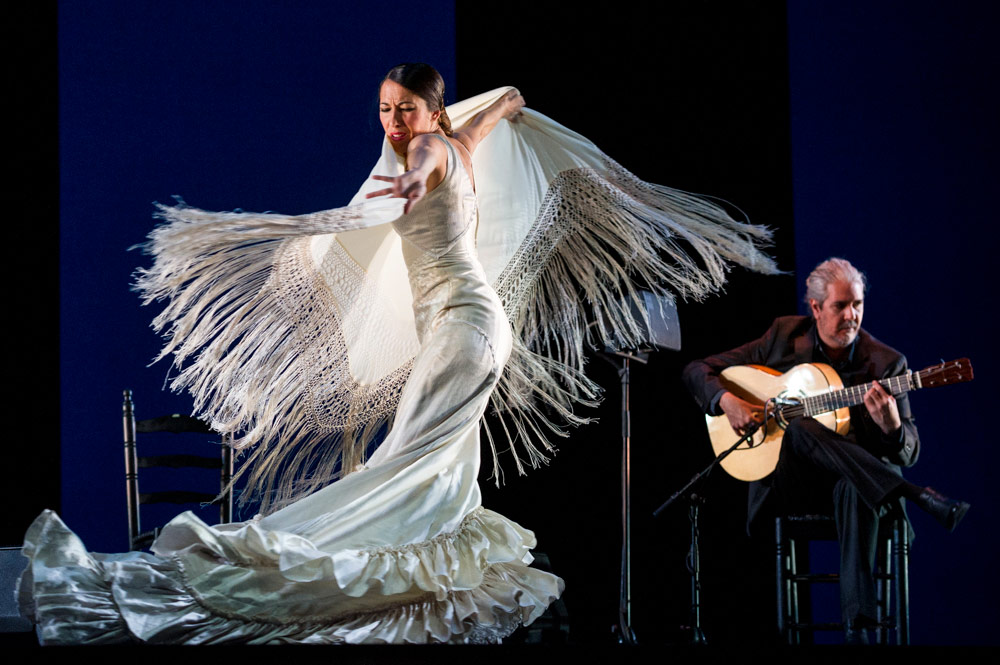 Ana Morales and Miguel Angel Cortes in De lo Jondo y Verdadero.© Foteini Christofilopoulou. (Click image for larger version)