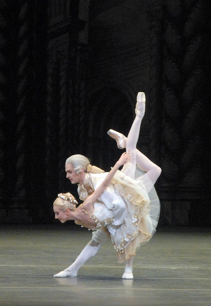 Isabella Boylston and Joseph Gorak, in The Sleeping Beauty.© Gene Schiavone. (Click image for larger version)