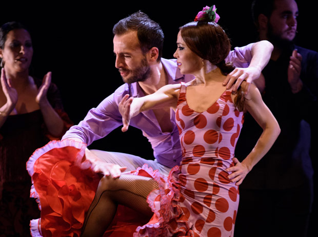 Marco Flores and Olga Pericet in <I>Paso a Dos</I>.<br />© Paco Villalta. (Click image for larger version)
