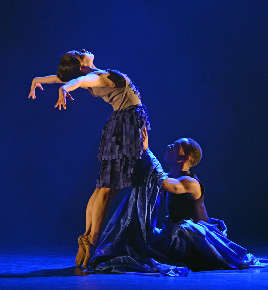 Sayaka Ichikawa and Jacob Wye in Christopher Marney's <I>To Begin, Begin</I>.<br />© Dave Morgan. (Click image for larger version)