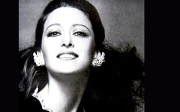 Maya Plisetskaya.© Ensemble Productions. (Click image for larger version)