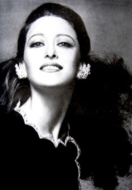 Maya Plisetskaya.<br />© Ensemble Productions. (Click image for larger version)