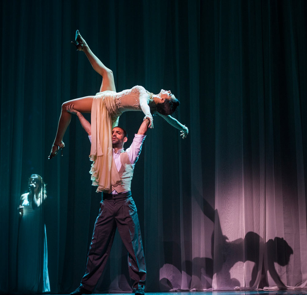 German Cornejo and Gisela Galeassi in <I>Immortal Tango</I>.<br />© Foteini Christofilopoulou. (Click image for larger version)