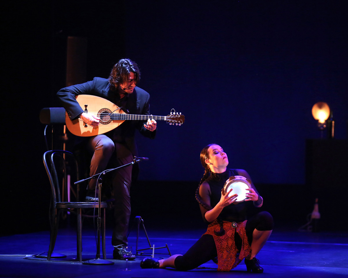 Rocio Molina and Eduardo Trassierra in Danzaora & Vinatica.© Luiz C Ribeiro. (Click image for larger version)