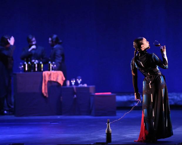 Rocio Molina in <I>Danzaora & Vinatica</I>.<br />© Luiz C Ribeiro. (Click image for larger version)