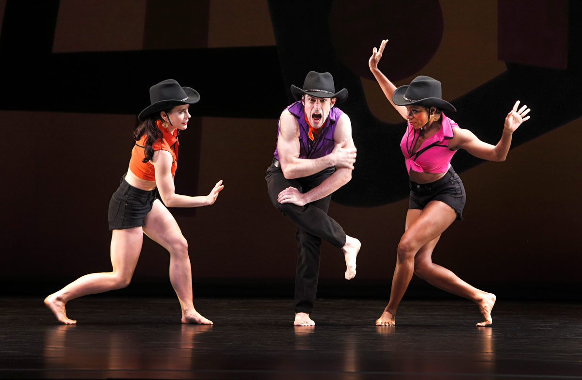 Paul Taylor's American Modern Dance in Taylor's <I>Dilly Dilly</I>.<br />© Paul B. Goode. (Click image for larger version)