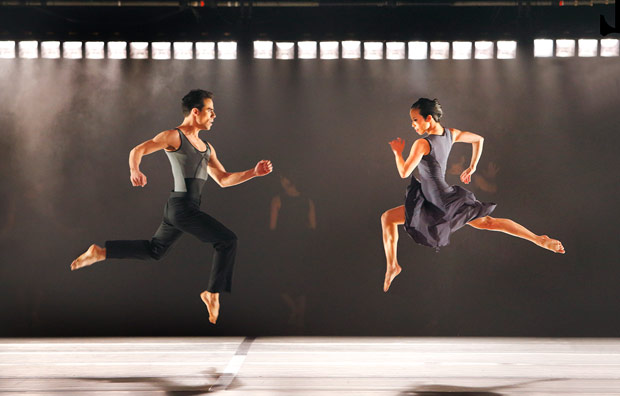 Paul Taylor's American Modern Dance in Larry Keigwin's <I>Rush Hour</I>.<br />© Paul B. Goode. (Click image for larger version)