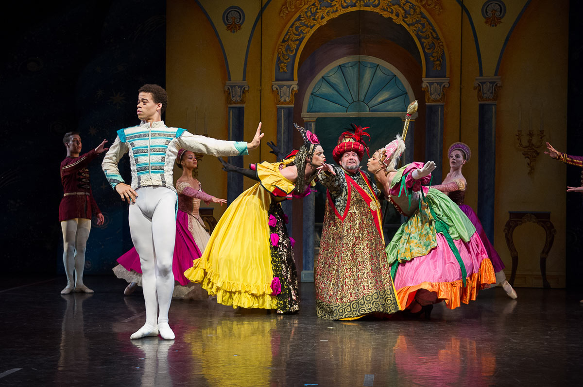New York Theatre Ballet in <I>Cinderella</I>.<br />© Christopher Duggan. (Click image for larger version)