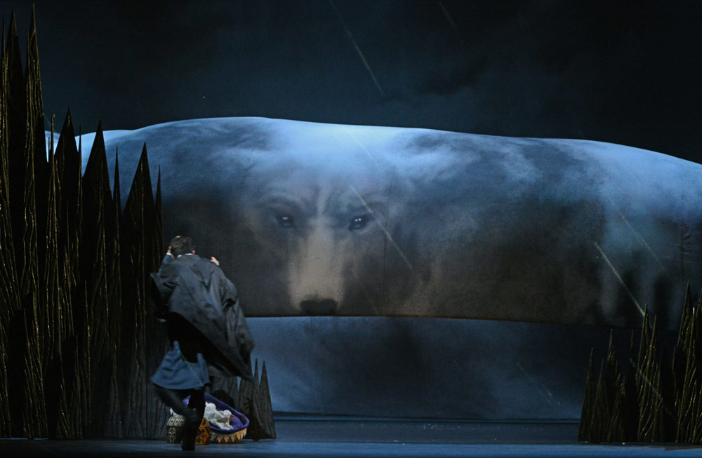 """Exit, pursued by a bear"" - Christopher Wheeldon's The Winter's Tale.© Dave Morgan, courtesy the Royal Opera House. (Click image for larger version)"