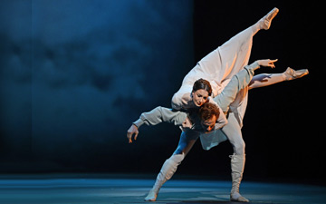 Lauren Cuthbertson and Edward Watson in Wheeldon's The Winter's Tale.© Dave Morgan, courtesy the Royal Opera House. (Click image for larger version)