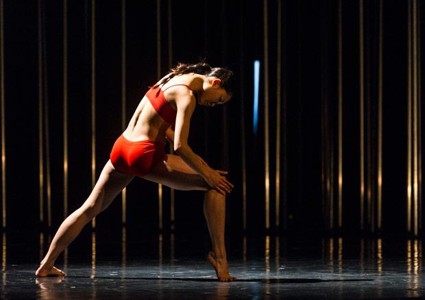 Madoka Kariya in Johan Inger's <I>I New Then</I>.<br />© Foteini Christofilopoulou. (Click image for larger version)