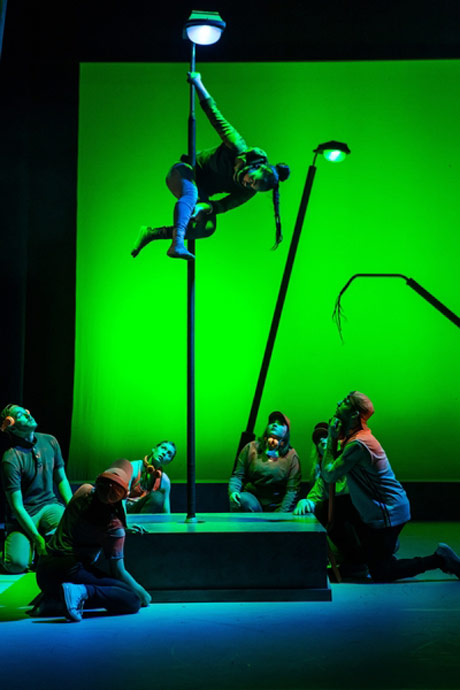 Nathalie Alison as Kaa with the Monkey Gang in Jungle Book.© Richard Davenport.
