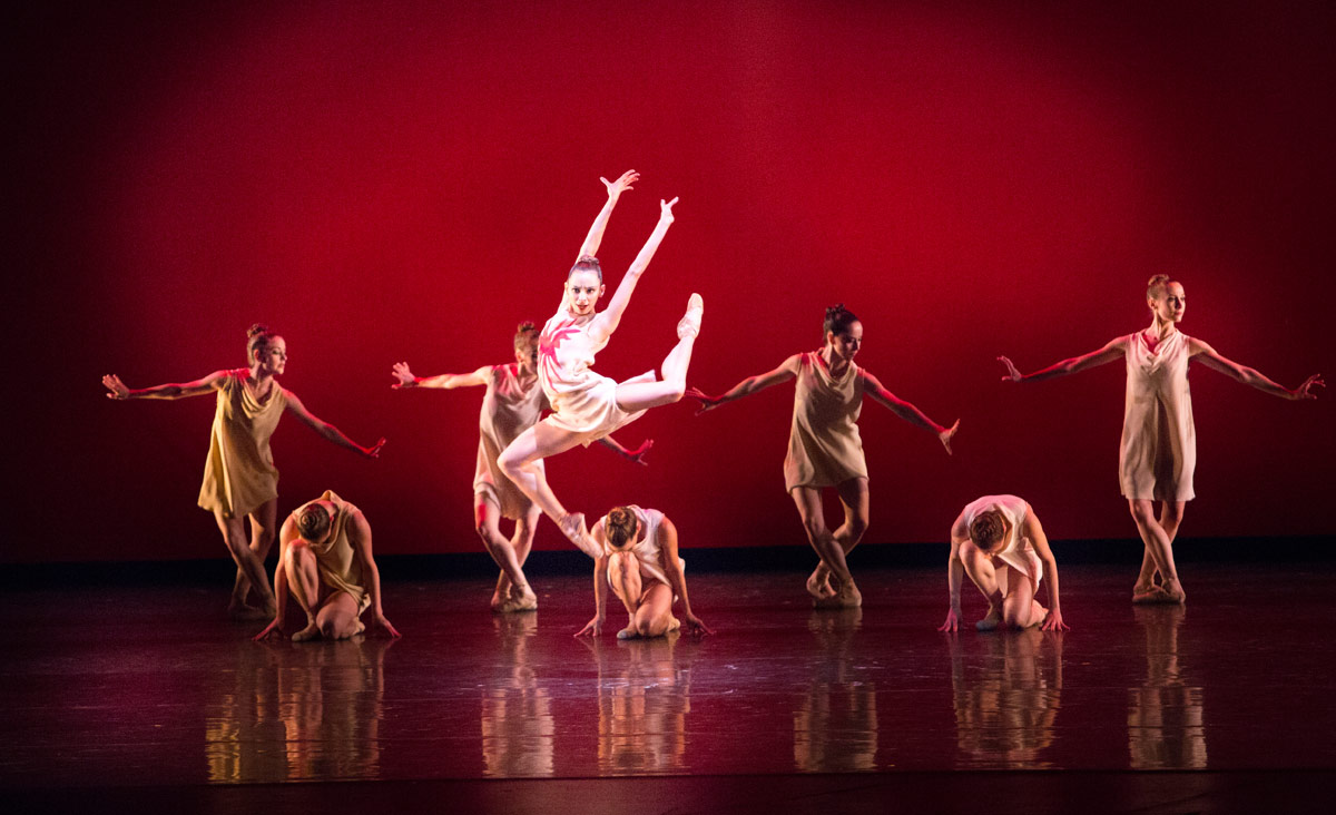 Nathalia Arja in Ratmansky's Symphonic Dances.© Sasha Iziliaev. (Click image for larger version)