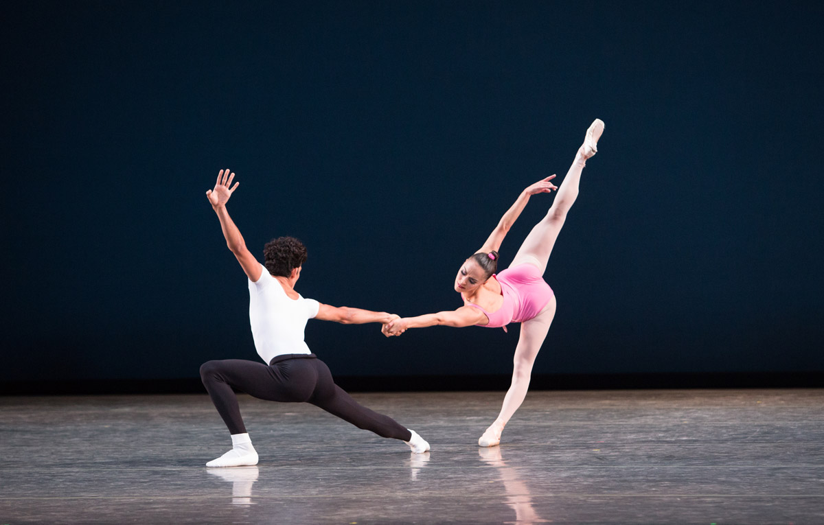 Patricia Delgado and Renan Cerdeiro in <I>Symphony in Three Movements</I>.<br />Choreography by George Balanchine, © The George Balanchine Trust.<br />© Sasha Iziliaev. (Click image for larger version)