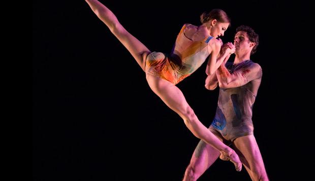 Oksana Maslova and James Ihde in Trey McIntyre's <I>The Accidental</I>.<br />© Yi-Chun Wu. (Click image for larger version)