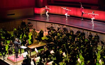Philharmonia Orchestra & Armitage Gone! Dance performing Agon.© Camilla Greenwell Photography. (Click image for larger version)