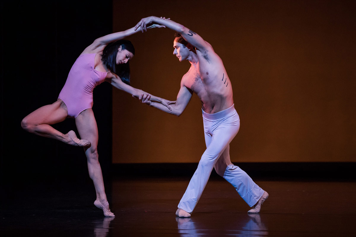 Robyn Hendricks and Damian Smith in Christopher Wheeldon's <I>After the Rain</I>.<br />© Daniel Boud. (Click image for larger version)