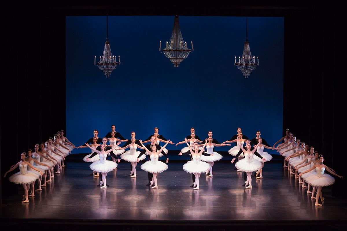 Australian Ballet in <I>Symphony in C</I>.<br />© Daniel Boud. (Click image for larger version)