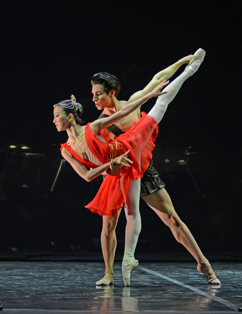 Rina Kanehara and Cesar Corrales in Diana and Acteon.© Dave Morgan. (Click image for larger version)