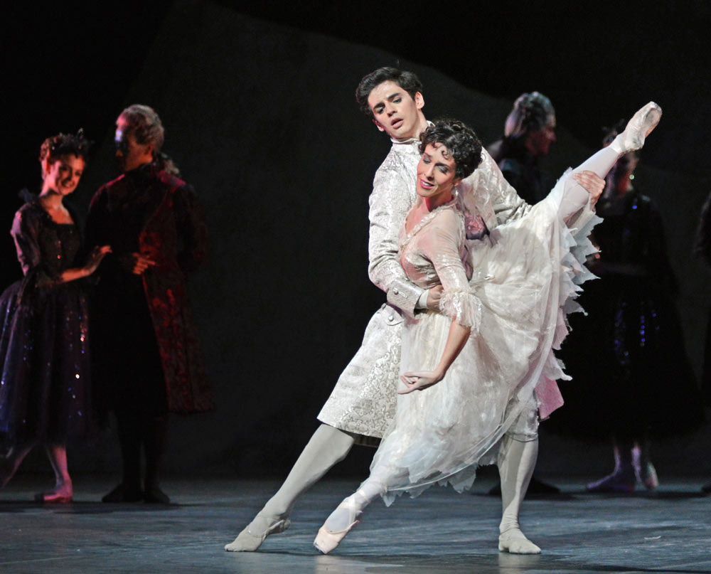 Federico Bonelli and Laura Morera in Liam Scarlett's <I>Frankenstein</I>.<br />© Dave Morgan, courtesy the Royal Opera House. (Click image for larger version)