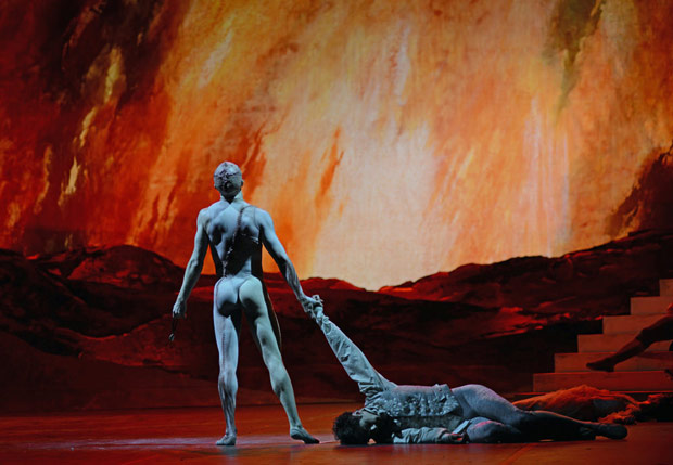 Steven McRae (The Creature) and Federico Bonelli (Victor Frankenstein) in Liam Scarlett's <I>Frankenstein</I>.<br />© Dave Morgan, courtesy the Royal Opera House. (Click image for larger version)
