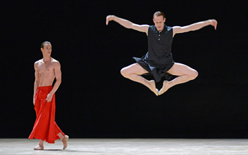 Calvin Richardson and Edward Watson in Obsidian Tear.© Dave Morgan, courtesy the Royal Opera House. (Click image for larger version)