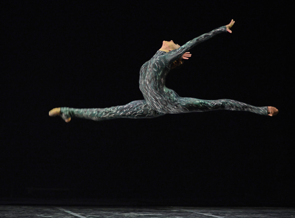 Isabelle Brouwers in Charlotte Edmonds' Pelican.© Dave Morgan. (Click image for larger version)