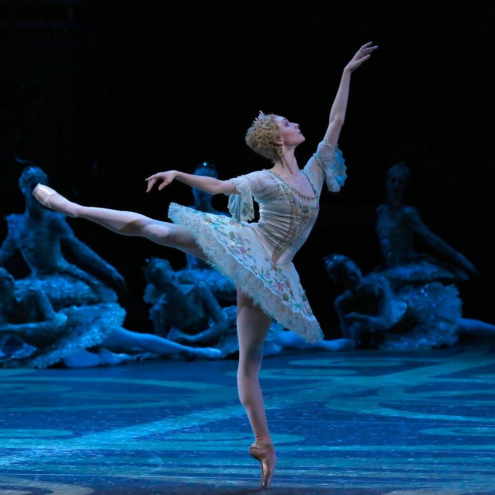 Olga Smirnova in The Sleeping Beauty.© Damir Yusupov. (Click image for larger version)