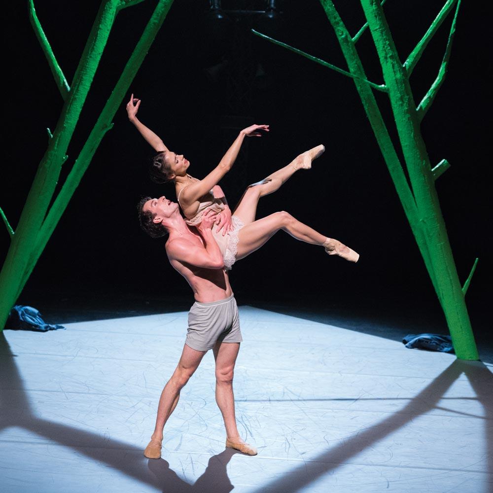 Tobias Batley and Martha Leebolt in Jonathan Watkins' <I>1984</I>.<br />© Emma Kauldhar. (Click image for larger version)