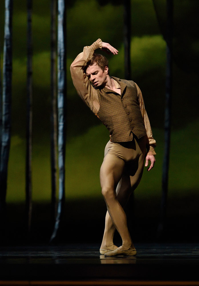 Gennadi Nedvigin in Cranko's Onegin.© Erik Tomasson. (Click image for larger version)