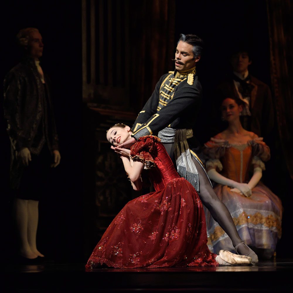 Maria Kochetkova and Joan Boada in Cranko's Onegin.© Erik Tomasson. (Click image for larger version)