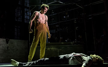 Tim Hodges (Mr Hyde) in Jekyll & Hyde.© Manuel Harlan. (Click image for larger version)