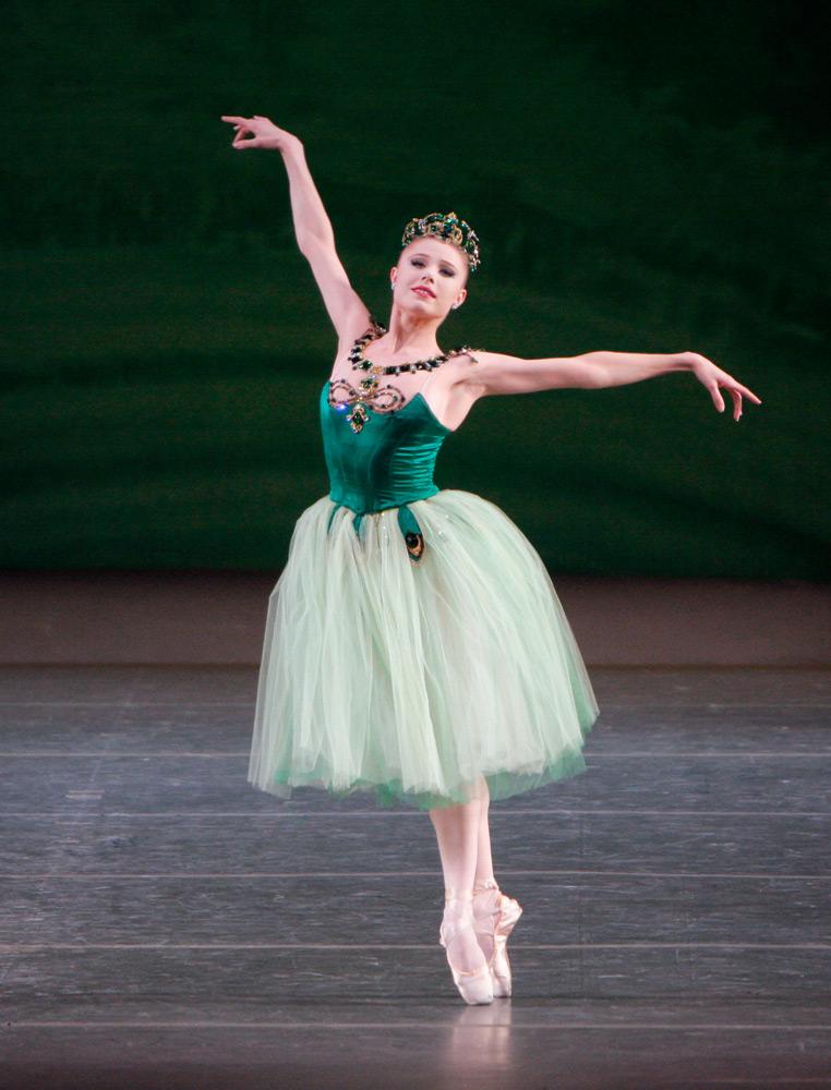 Sara Mearns in <I>Emeralds</I>.<br />© Paul Kolnik. (Click image for larger version)