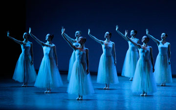 New York City Ballet in Serenade.© Paul Kolnik. (Click image for larger version)