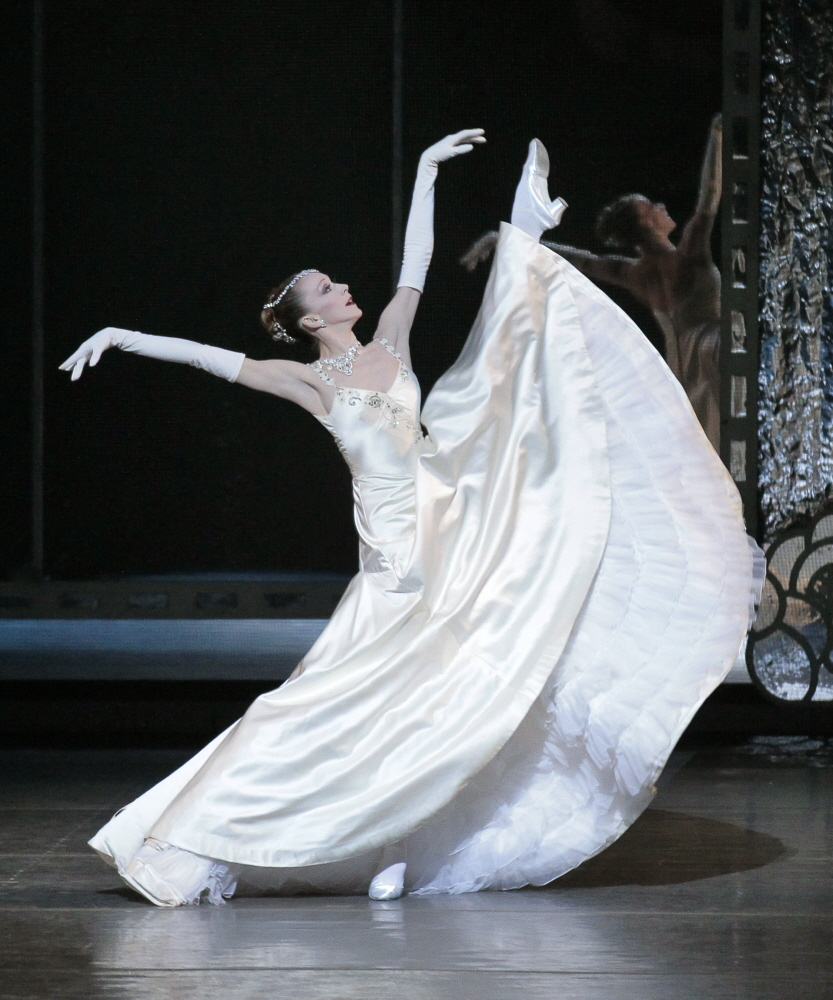 Maria Kowroski in <I>Vienna Waltzes</I>.<br />© Paul Kolnik. (Click image for larger version)
