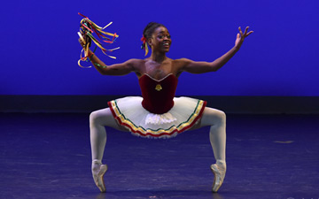 Michaela DePrince in Balanchine's Tarantella.© VAM/ Siggul. (Click image for larger version)