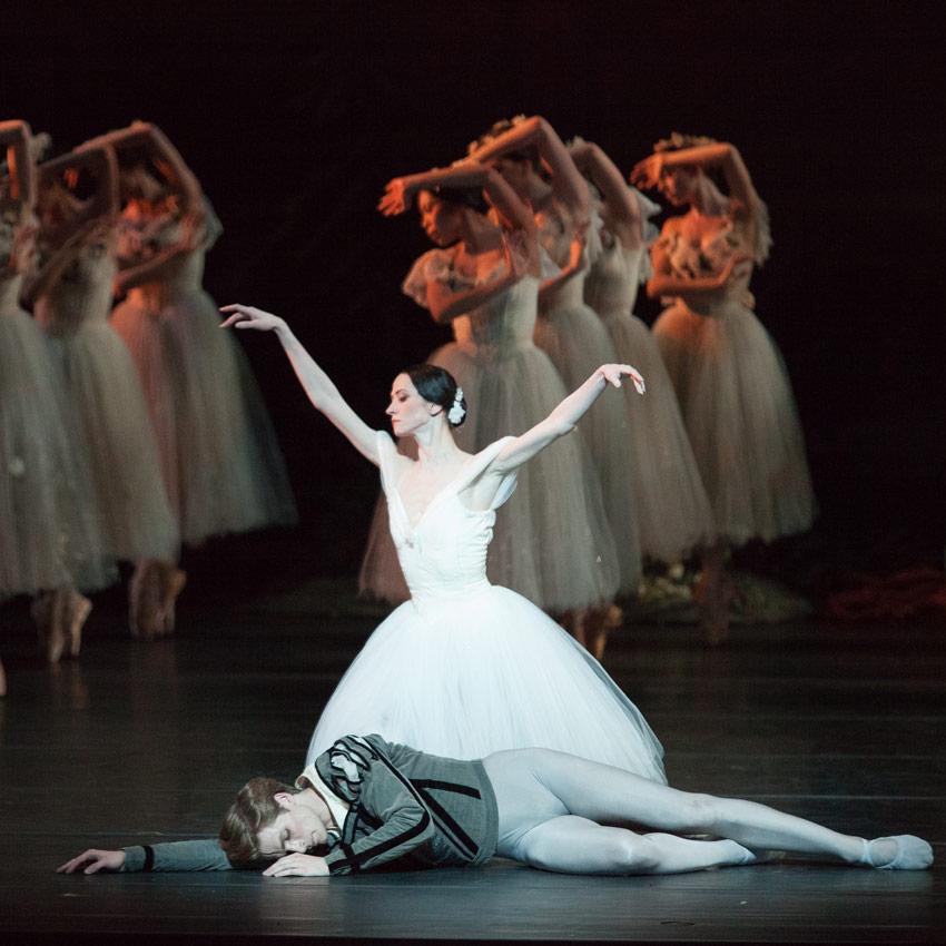 Svetlana Lunkina and Harrison James in Giselle.© Aleksandar Antonijevic. (Click image for larger version)