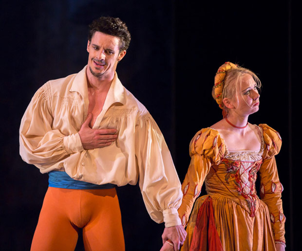 Elisha Willis and Iain Mackay in John Cranko's <I>The Taming of the Shrew</I>.<br />© Andy Ross. (Click image for larger version)