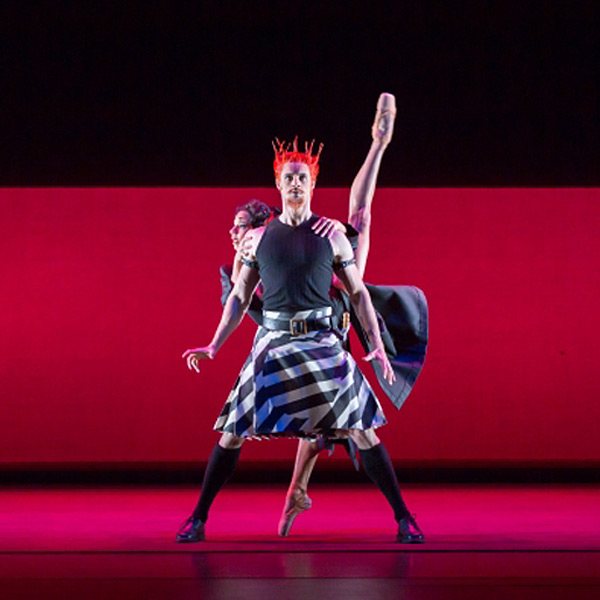 Iain Mackay as Macbeth and Céline Gittens as Lady Macbeth in The Shakespeare Suite.© Andy Ross. (Click image for larger version)