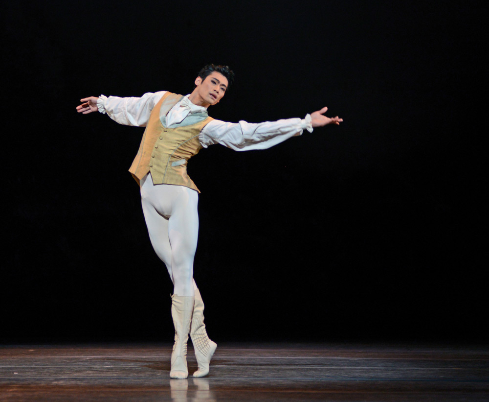 Ryoichi Hirano in <I>The Sleeping Beauty</I>.<br />© Dave Morgan, courtesy the Royal Opera House. (Click image for larger version)