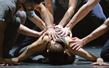 Crystal Pite and Jonathon Young's Betroffenheit.© Dave Morgan. (Click image for larger version)