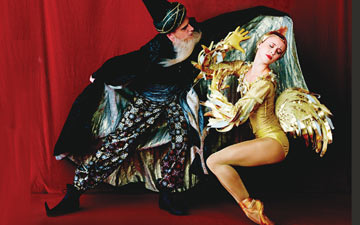 Skylar Brandt and Duncan Lyle in The Golden Cockerel publicity image.© Fabrizio Ferri. (Click image for larger version)